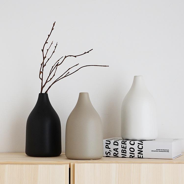 特価キャンペーン 韓国雑貨やお部屋のアクセントに最適な花瓶 倉庫からの発送 ドライフラワーベース 花瓶 ホワイト ブラック グレージュ セラミック モダン おしゃれ トラスト 韓国インテリア 北欧 シンプル