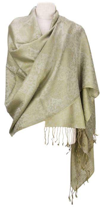 肩まですっぽり包み込んでくれるサイズ・たためばコンパクト・ふわりとした薄いペイズリー柄のショールです。 ストール ショール シルク & レーヨン 198cm x 75cm ウィローグリーン GMB-0032 - thefandomentals.com