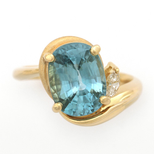 K18 ブルージルコン 5.53ct ダイヤモンド 0.09ct リング