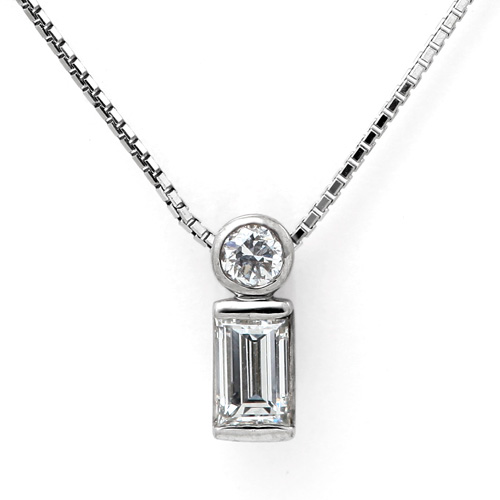 K18WGバゲットカットダイヤモンドペンダントネックレス