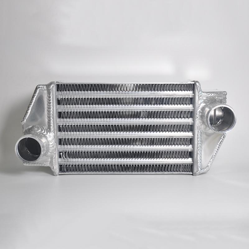 suzuki every プレゼント DA64W 対応 大容量 インタークーラーテーパーチューブ設計 SEAL限定商品 コルゲートフィンを採用 LSEX-F 容量アップタイプ Ver.2 インタークーラー 製 エブリィワゴン オール-アルミ製 スズキ Every