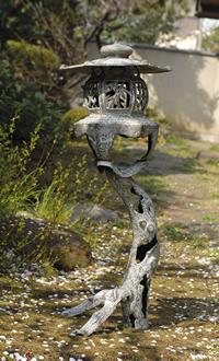 高岡銅器 銅製『古朴燈籠』【灯籠・庭】【通販・販売】