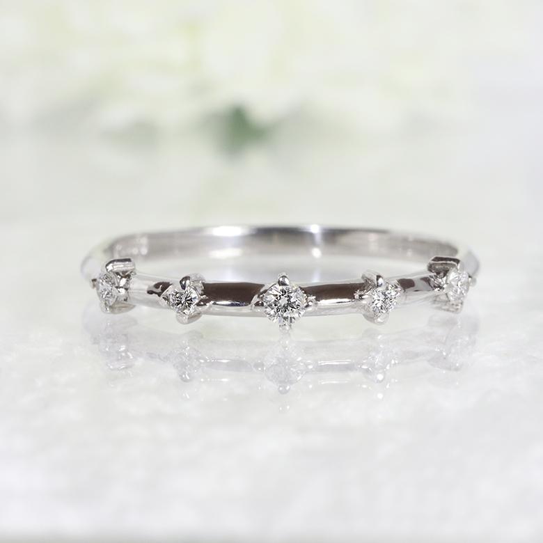 【送料無料】 Pt900 プラチナ 5石 0.08ct ダイヤモンド ファッション ジュエリー アクセサリー レディース 4月誕生石 リング 指輪 5粒 「4R0054P」 *