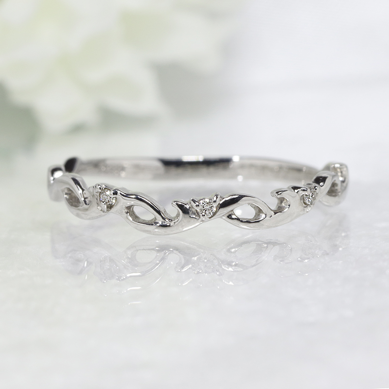ファッション ジュエリー アクセサリー レディース 指輪 18金ホワイトゴールド ダイヤ リング ダイア ダイヤモンドリング ダイアモンド 重ねづけ 唐草 ピンキー 4月 誕生石