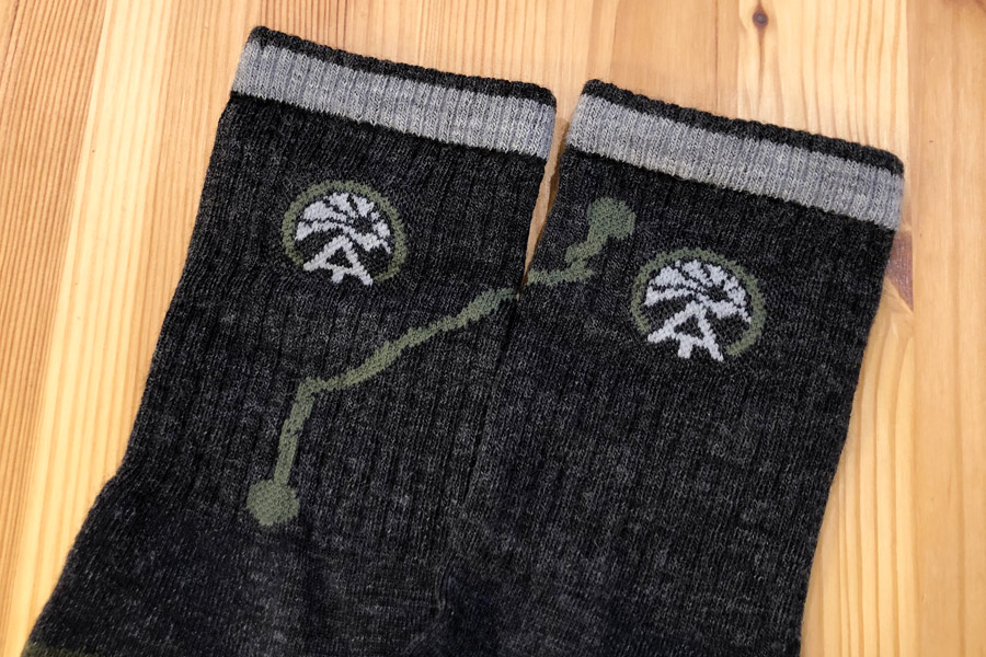 DARN TOUGH 1956 MEN/'S CHARCOAL ATC HIKE//TREK MICRO CREW MERINO WOOL Socks Trail