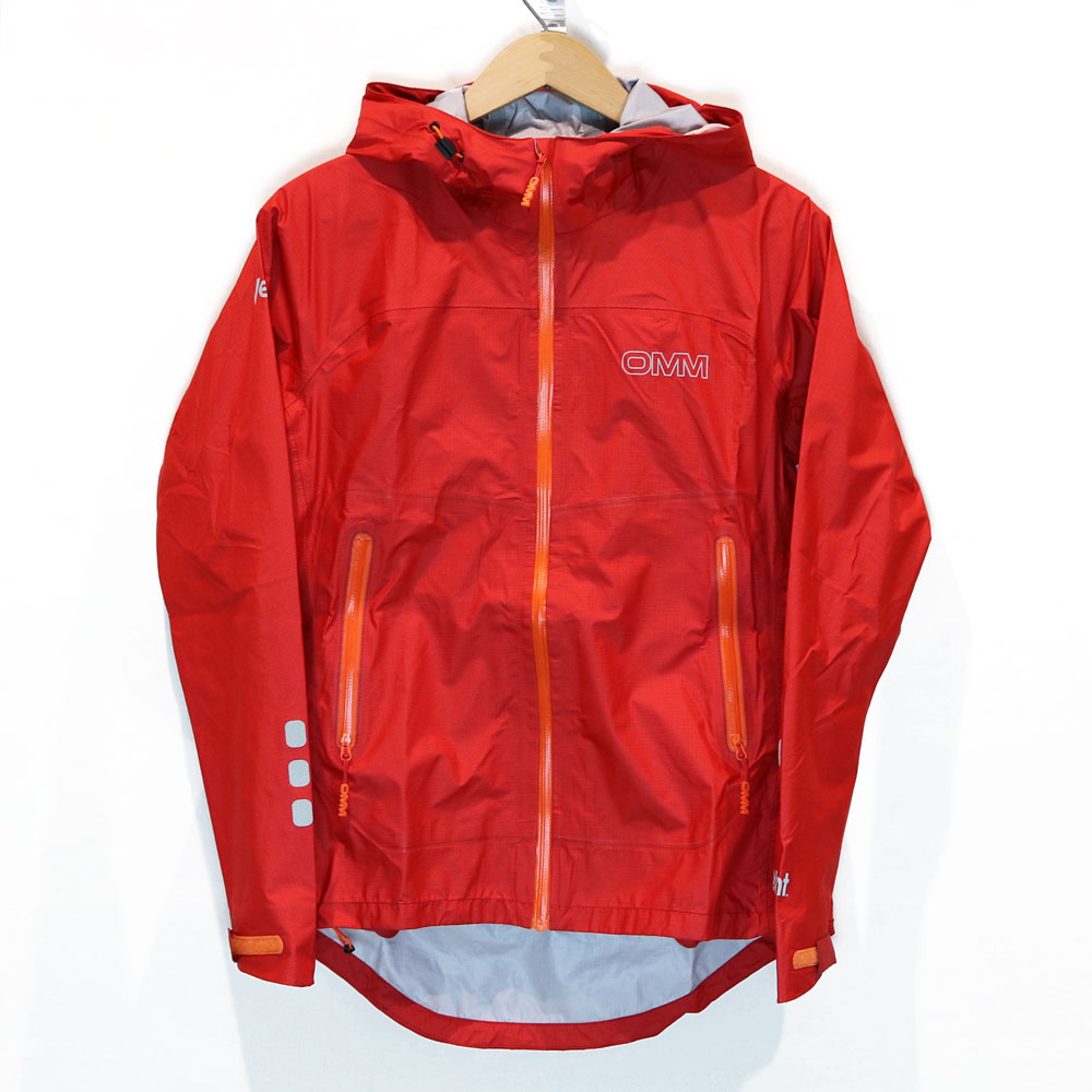 OMM - Ava Jacket レッド (Women's) [ The Original Mountain Marathon オーエムエム レディース アヴァ ジャケット 軽量 eVent 防水シェル ]