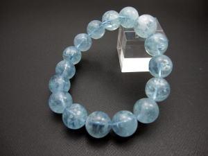 6Aグレード アクアマリンブレスレット珠の大きさ:14mmサイズ:19cm