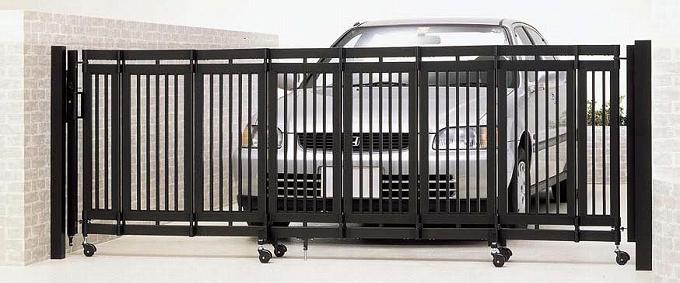 折戸式伸縮門扉 シャレオ伸縮 2型 両開き 770W アルミ ゲート 門扉 フェンス コンパクト 収納 リクシル TOEX