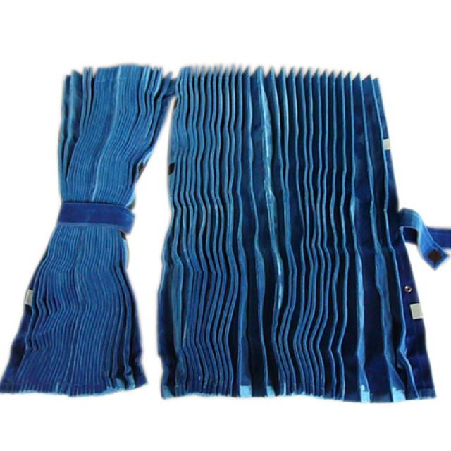 アコーディオン式仮眠カーテン [モケット:ブルー(青) ] w2,400mm×h800mm 2枚入(4t~大型用)