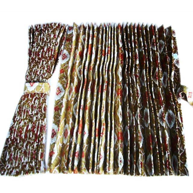金華山 仮眠カーテン 大花束 アコーディオンタイプ 2,400×800mm 2枚入 4t~大型用