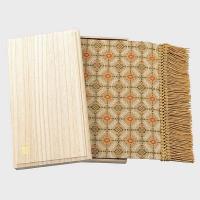 HP1046 川島織物セルコン 角立華紋(かくりつかもん) 織りセンター ホワイトブラウン 38×90(38×104)