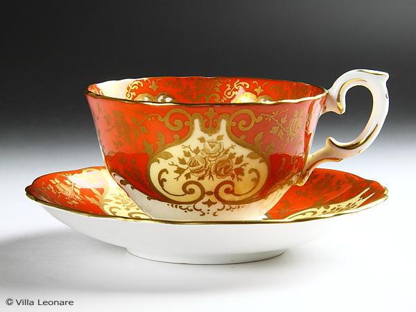 【クラウン スタッフォードシャー】オレンジ&クリーム エナメルのフローラルブーケ カップ&ソーサー