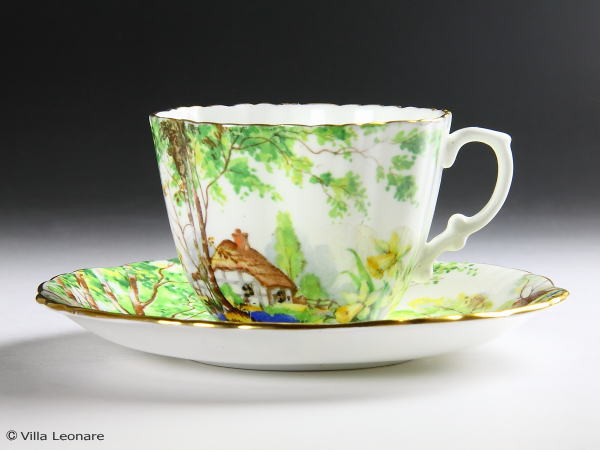 【ハマーズレイ】Lorna Doone 水仙の花&風景 カップ&ソーサー(フリルカップ)