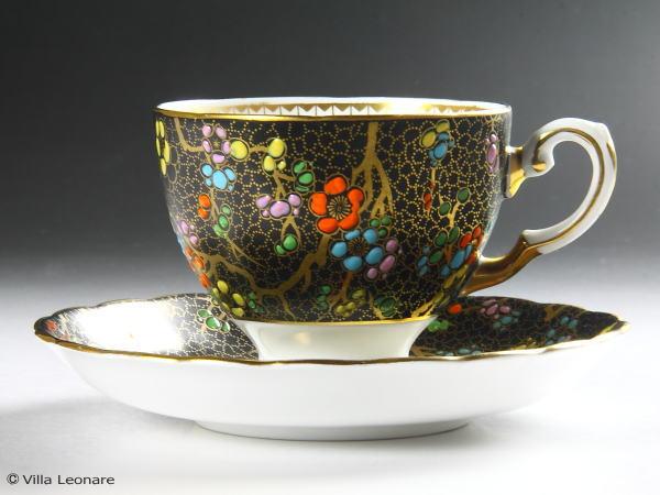【タスカン】ブラック&マルチカラー花模様 カップ&ソーサー