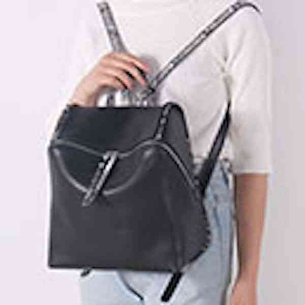 リュックサック 本革 リュック バッグ レディース レザー カジュアル 軽量 大容量 通学 通勤 キャンパス 黒 バック カバン 鞄 かばんbag bag-1009