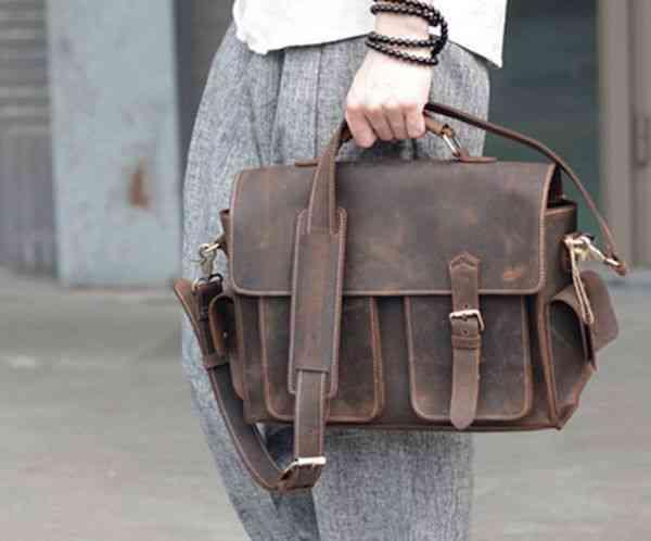 ショルダーバッグ 本革 メッセンジャーバッグ 斜めがけバッグ メンズ レザー カジュアル 通学 通勤 軽量 旅行 斜め掛け 黒 バック カバン 鞄 bag-1143
