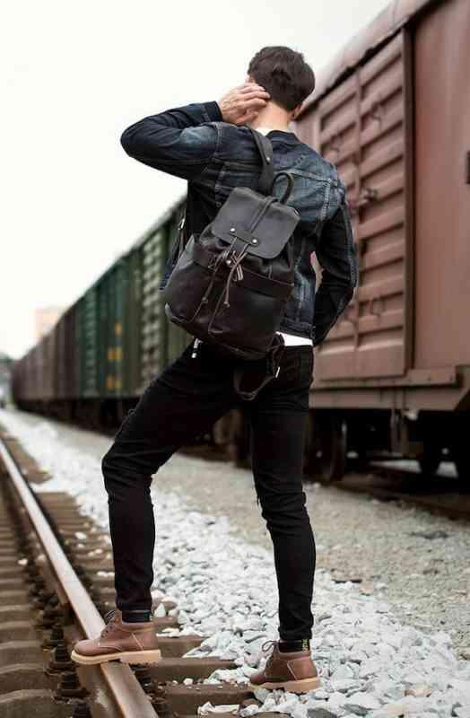リュックサック レザー メンズ 軽量 大容量 カジュアル 旅行 リュック 本革 通学 通勤 キャンパス 黒 バック カバン 鞄 かばんbag bag-1182