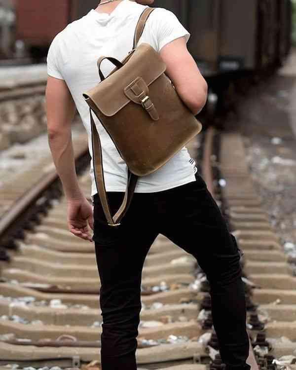 リュックサック レザー メンズ 軽量 大容量 カジュアル 旅行 リュック 本革 通学 通勤 キャンパス 黒 バック カバン 鞄 かばんbag bag-1189