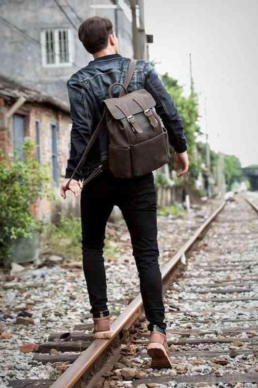 リュックサック リュック レザー 本革 メンズ 軽量 大容量 旅行 カジュアル 通学 通勤 キャンパス 黒 バック カバン 鞄 かばんbag bag-1190