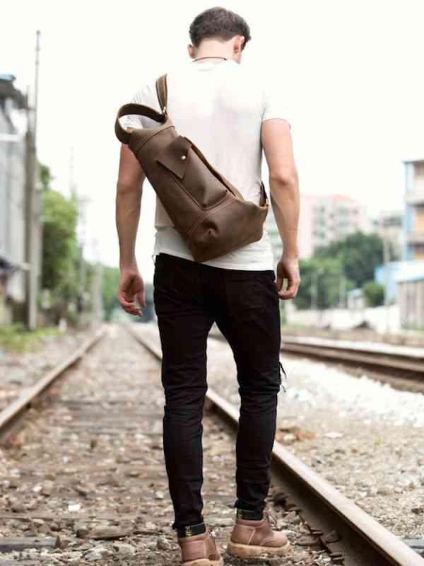 ボディバッグ ワンショルダーバッグ 軽量 小物 メンズ レザー 斜めがけバッグ 本革 通学 軽量 旅行 斜め掛け 黒 バック カバン 鞄 小さめ bag-1210 【予約商品】