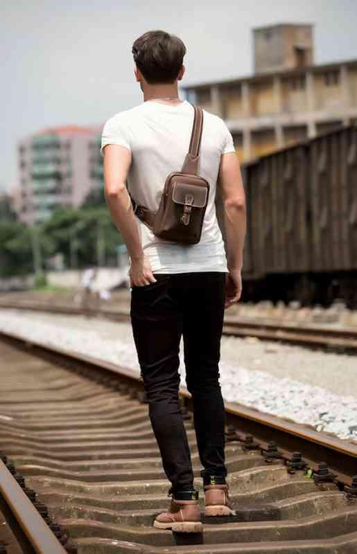 ボディバッグ ワンショルダーバッグ 軽量 小物 メンズ レザー 斜めがけバッグ 本革 通学 軽量 旅行 斜め掛け 黒 バック カバン 鞄 小さめ bag-1219