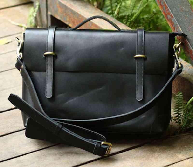 ビジネスバッグ 斜めがけ A4 メンズ レザー ブリーフケース 斜め掛け 黒 バック かばん ショルダー カバン 本革 軽量 鞄 通勤 予約商品