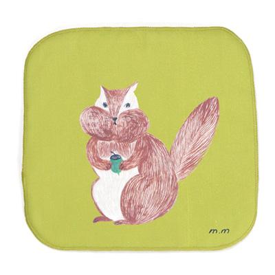 松尾ミユキさんが描くイラストが可愛いらしいタオルハンカチ 裏面は吸水性が高いマイクロファイバー素材を使用 松尾ミユキ 限定特価 Hand cloth ハンドクロス MM551 リス オリジナル Squirrel