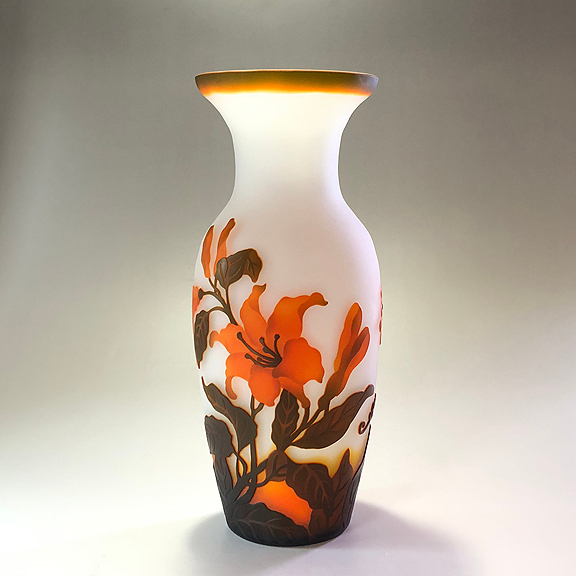 ガレ調 ガラス花瓶 ユリ 百合 花柄 ガラス製 花入 綺麗 お洒落 おしゃれ 中型 インテリア オブジェ 飾り ギフト プレゼント