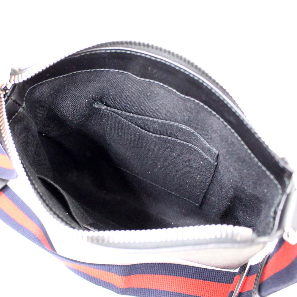 d5a136dc16c0d ... It is 547751 GUCCI Gucci shoulder bag courier messenger bag men black  gray GG スプリームキャンバス ...