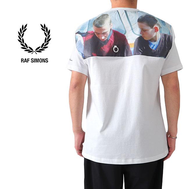FRED PERRY × RAF SIMONS フレッドペリー ラフシモンズ バックフォトプリント オーバーサイズ Tシャツ SM8135 半袖Tシャツ (メンズ レディース)