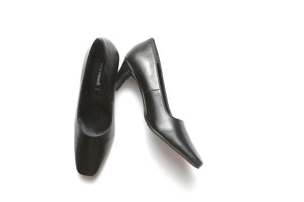 婦人靴 3E 6cmヒール 正規激安 プレーンパンプス ブラックパンプス フォーマル 3192 オフィス 就活 ショッピング 冠婚葬祭 ゴールデンフット