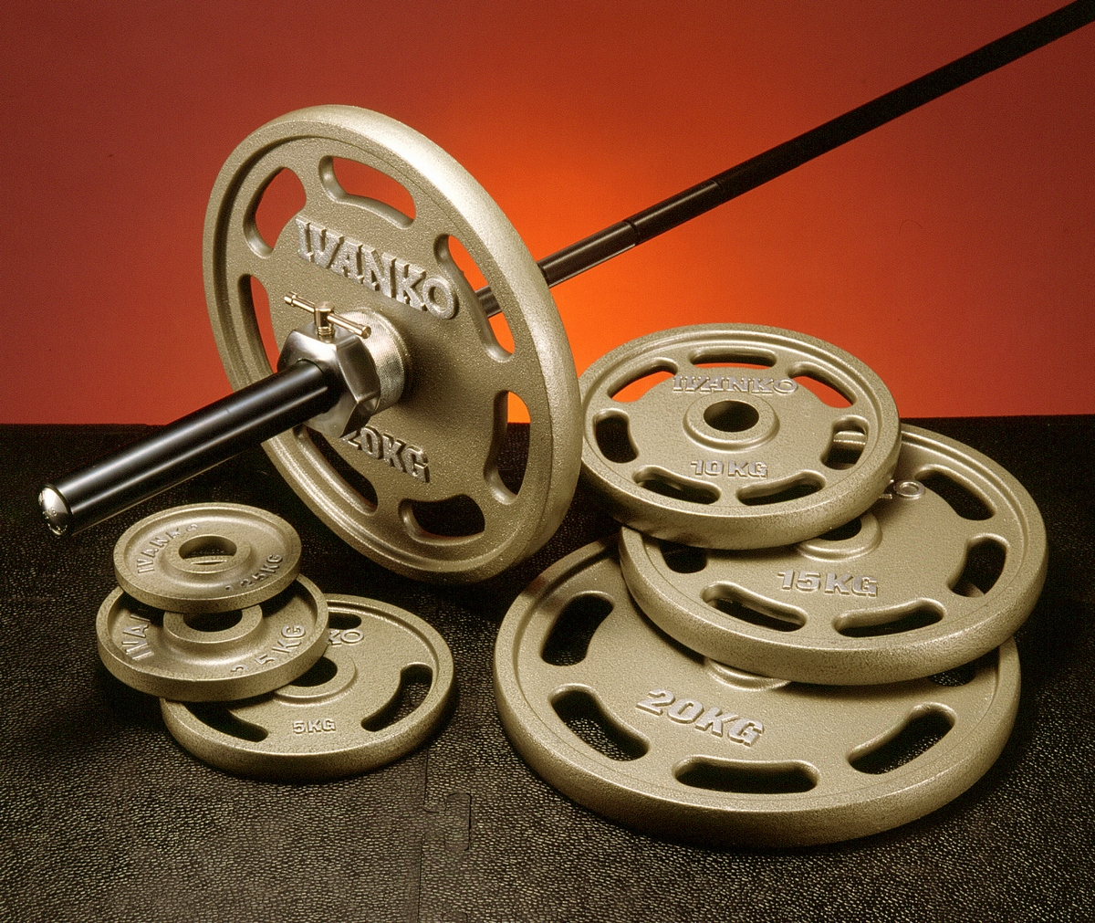【Φ50mm高品質バーベルプレート】IVANKO(イヴァンコ)社製エクササイズプレートオリンピックペイントイージーグリッププレート 20kg OMEZ-20