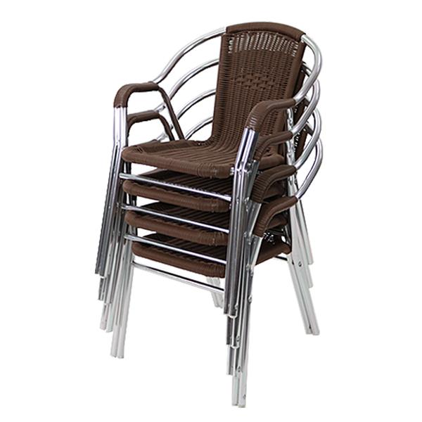 ベランダ、オープンカフェ等に最適!贅沢な空間を演出できるラタンチェア。 送料無料 ガーデンチェア ガーデン チェア ラタンチェア 4脚セット 人工ラタンチェア ウォールナット 籐 肘掛けカバー付き 家具 ファニチャー インテリア おしゃれ スタッキングチェア 椅子 チェア カフェ ベランダ バルコニー テラス 庭 ガーデン rattan174setwa