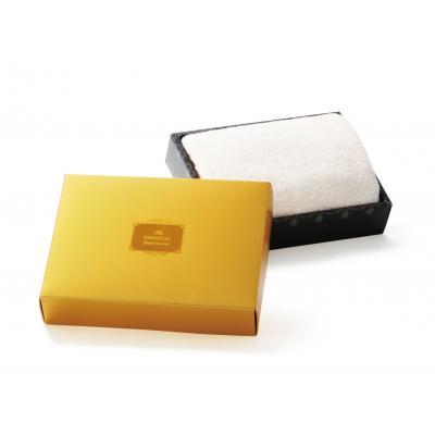 プレミアムハンドタオル 96枚セット販売 ふれた心地よさはまさにプレミアム!ソフトタッチのハンドタオルを、存在感あふれる金色の箱に収めました