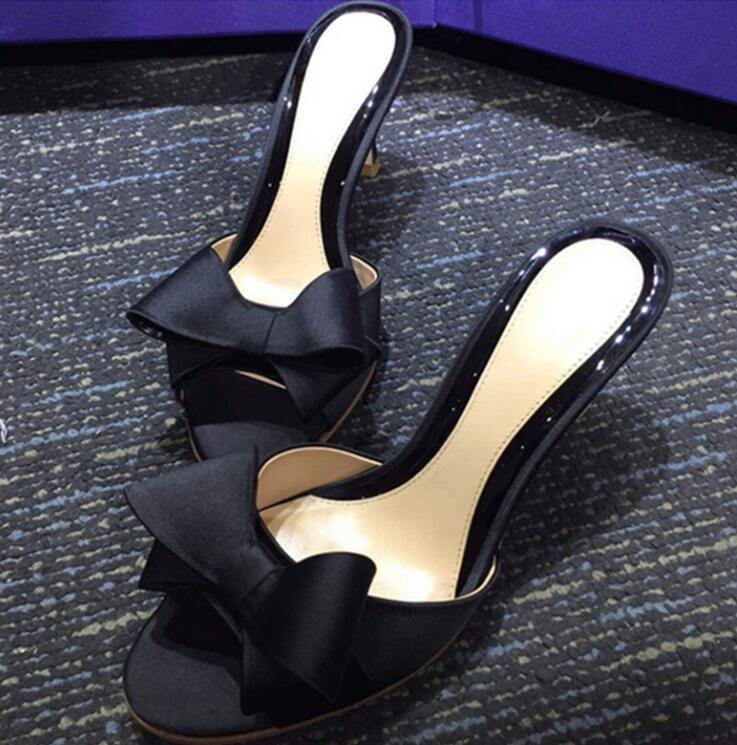 長脚効果 サテン ミドルヒールサンダル レディースミュール 大きいサイズ ハイヒールミュール 4.5 6.5 8.5cmヒール レディース 26.5センチまで ピンヒール 履きやすい パーティ レッド リボン 歩きやすい 割引も実施中 美脚 選択 靴 ブラック