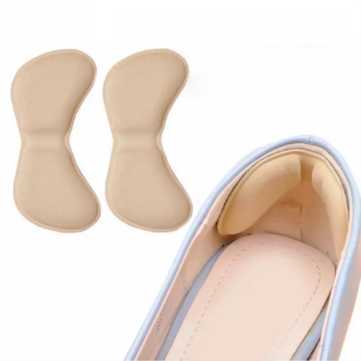 与え かかとの靴擦れ防止や ちょっと大きめサイズの調整に 靴擦れ防止パッド かかと 靴に貼る シールで簡単貼り付け 2個 パカパカ調整 1足セット 当店一番人気 カーキ