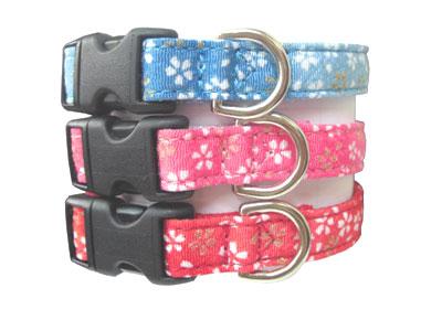 小型犬用首輪和柄生地で作った商品です。