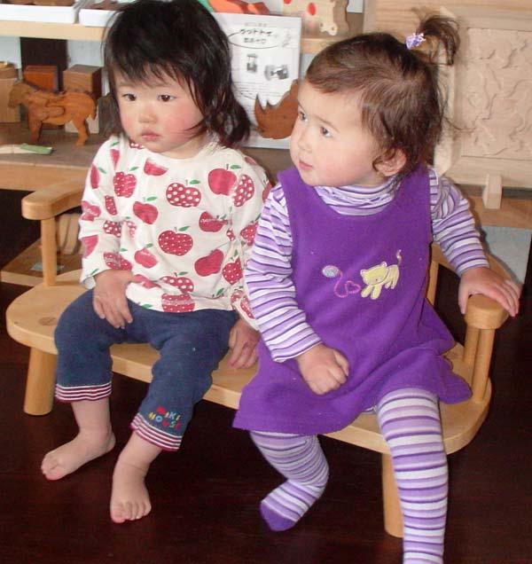 子供ベンチ (子供家具・木のおもちゃ 日本製 ) 1歳 2歳 3歳 4歳 5歳 誕生日ギフト~出産祝い 男の子 女の子 赤ちゃんおもちゃ♪ 注文製作の木の椅子 子供施設 キッズルームに最適です! 記念日 木工職人手作り いす イス 木育 ★ Ginga Kobo Toys
