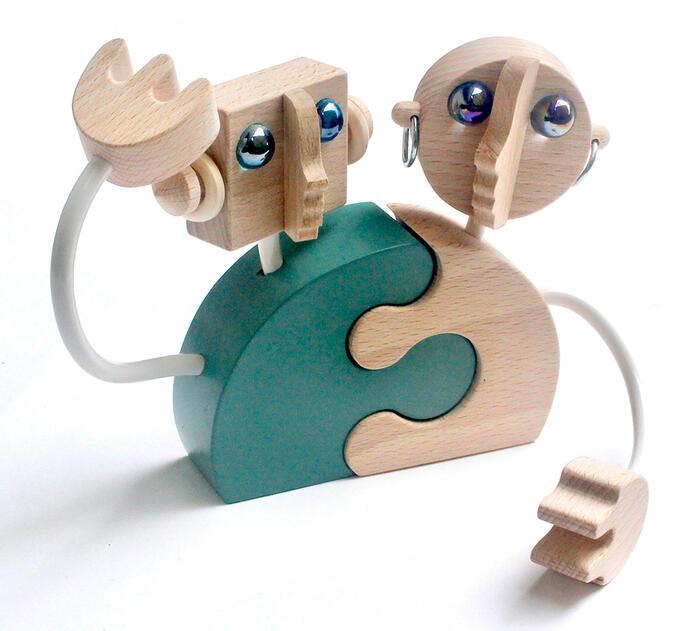ポイント10倍 エントリーでさらにポイント10倍【名入れ可】●ロボットのカップル(飾って楽しい 木のおもちゃ 夫婦円満の波動がこもっています。)国産 赤ちゃん おもちゃ 日本製 2歳 3歳 4歳 5歳 6歳 7歳 8歳 9歳 10歳 誕生日ギフト 男の子 女の子 恋人おもちゃ 記念日