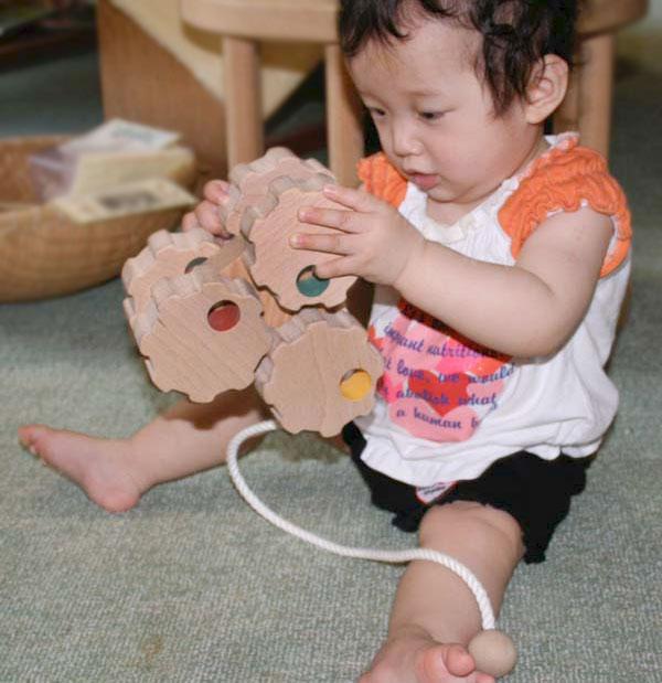 6 Wheel Car (Gear Type) Wooden Toys (Ginga Kobo Toys) Japan