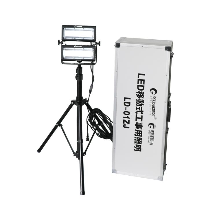 【全国送料無料】投光器 led 移動式作業灯 100W 10000lm 工事用 現場作業 移動作業 LED 投光器 屋外 照明ライト スタンドライト ワークライト 2灯タイプ 三脚スタンド付き キャンペーン 倉庫 伸縮可能 IP65(LD-01ZJ)