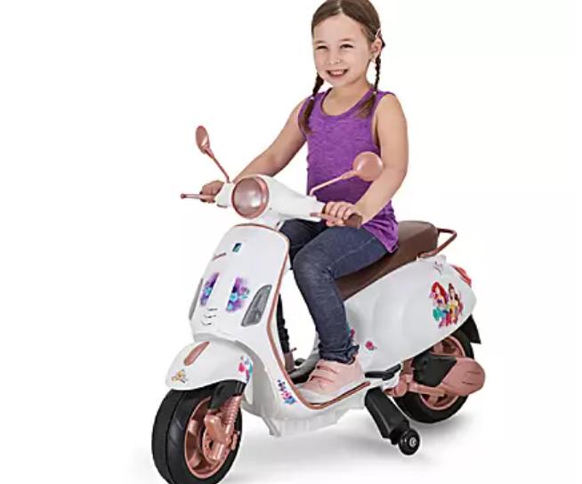 【送料無料】ディズニー プリンセス アリエル ベル 電動スクーター 乗り物 おもちゃ バイク  海外直輸入 ディズニーストア