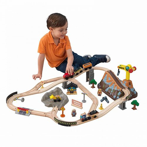 KidKraft キッズクラフト Bucket Top Construction Wooden Train Set with 61 Accessories Included 大型 ドールハウス・ごっこ遊び【送料無料】【代引不可】【あす楽不可】