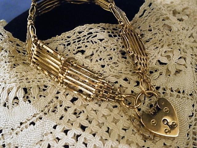 グッドウィル アンティーク ジュエリー 9ctブレスレット 装飾品