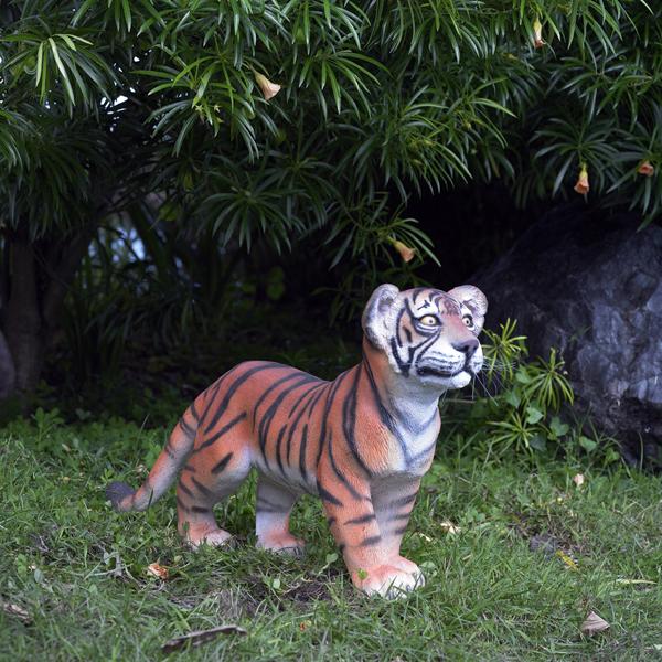 【送料無料】【メーカー直送・同梱不可・代引不可・返品不可】歩く子タイガー / Tiger Cub - Standing