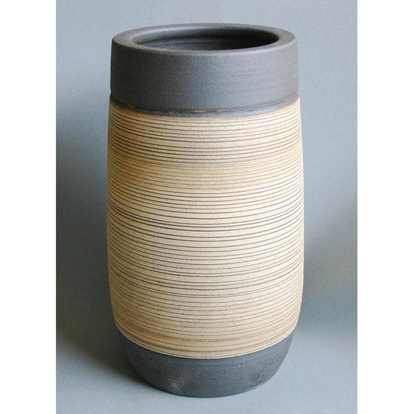 炭化砲弾型ストリーム 陶器 傘立て(傘立 傘たて かさたて アンブレラスタンド 日本製 陶器製 信楽焼き おしゃれ)送料込み おしゃれ 北欧 ギフト 送料無料