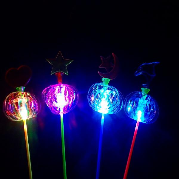 光るおもちゃ メーカー在庫限り品 光るくるくるハナビ棒 20個セット 光る おもちゃ 縁日 夏祭り 景品玩具 祝開店大放出セール開催中 玩具 お祭り 景品