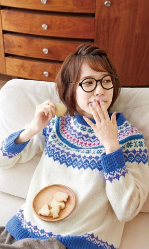 作品♪214a-02編み込みセーター