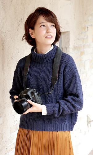 作品♪217aw-04バックスリットセーター