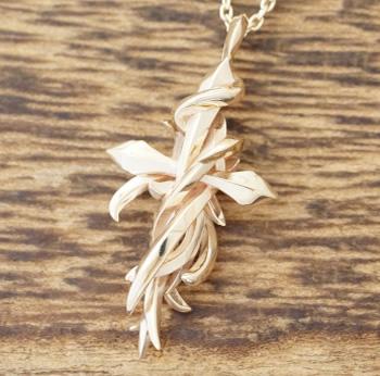 エムズコレクション(M's collection)ゴールド ネックレス メンズクロス 十字架 クロー10金 K10 イエローゴールドXP-037【送料無料】